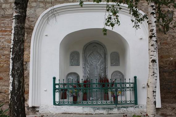 Икона на месте убийства прпмч. Корнилия Иваном Грозным