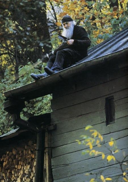 Старец архимандрит Серафим на послушании в Печерском монастыре