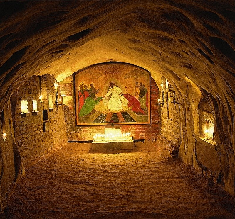 Рассказ о.Нафанаила (Поспелова) о Богом зданных пещерах (2)